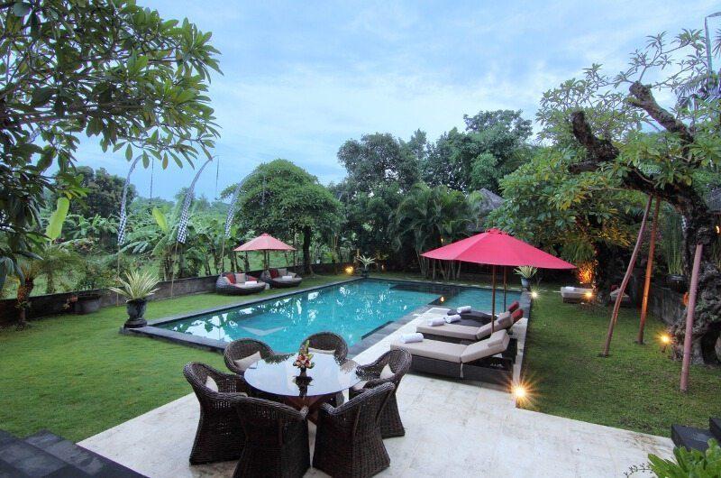Villa Umah Di Sawah Outdoor Dining Area   Canggu, Bali