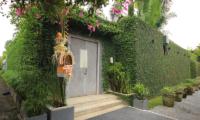 Casa Mateo Entrance | Seminyak, Bali
