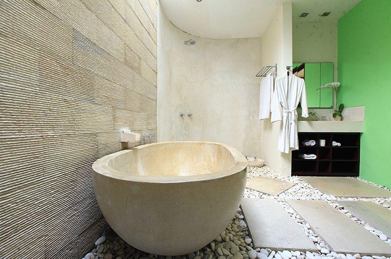 Casa Mateo Bathtub | Seminyak, Bali