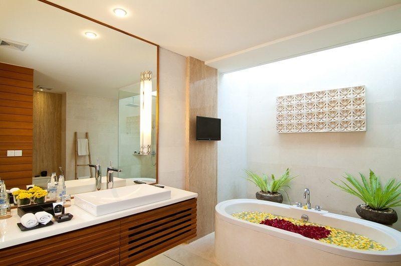 Maca Villas Bathroom | Seminyak, Bali