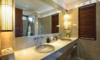 Villa Abakoi Guest Bathroom   Seminyak, Bali
