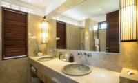 Villa Abakoi En-suite Bathroom   Seminyak, Bali