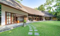 Villa Tirtadari Spacious Garden | Umalas, Bali