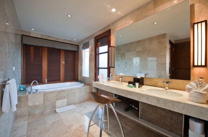 Akara Villas Bathroom | Petitenget, Bali