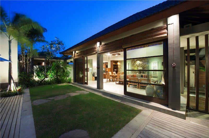 Akara Villas Outdoor Area | Petitenget, Bali