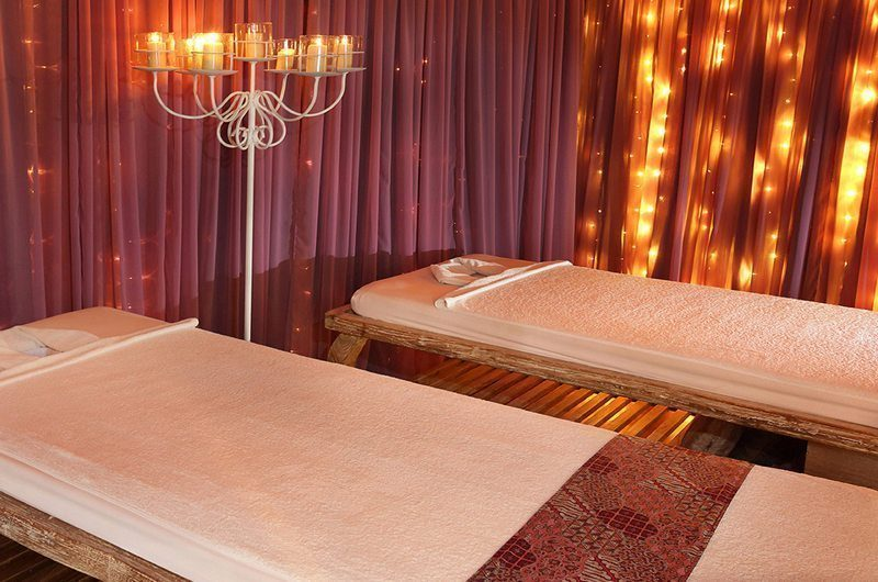 Berry Amour Romantic Villas Massage Room | Batubelig, Bali