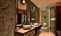 Berry Amour Romantic Villas Mystique Villa Bathroom | Batubelig, Bali