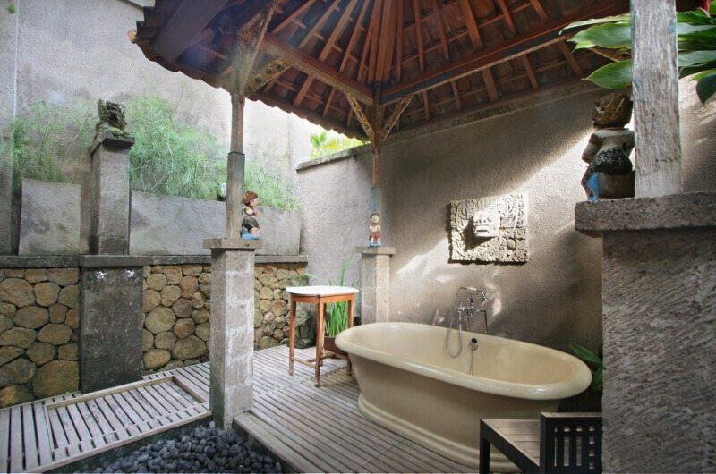 Des Indes 1 Bathroom | Seminyak, Bali