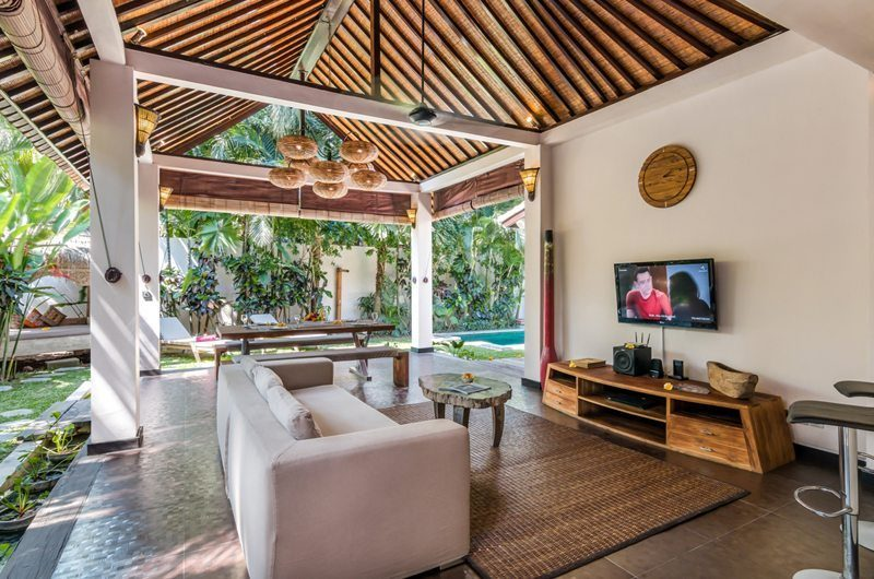 Villa Can Barca Living And Dining Pavilion | Petitenget, Bali