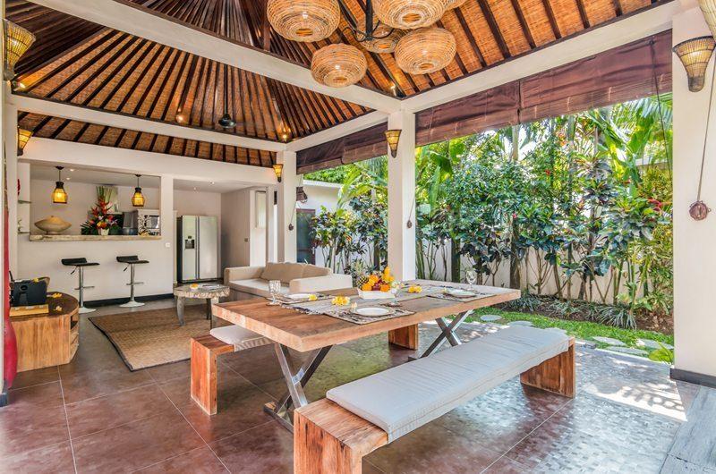 Villa Can Barca Dining Area | Petitenget, Bali