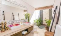 Villa Can Barca Master Bathroom | Petitenget, Bali