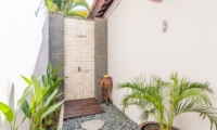 Villa Can Barca Bathroom | Petitenget, Bali