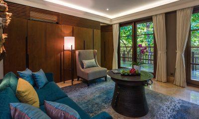 Villa Indah Ungasan Master Bathroom Lounge Room | Uluwatu, Bali