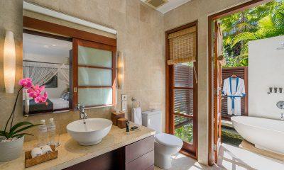 Villa Indah Ungasan Bathroom One | Uluwatu, Bali