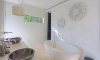 Samujana 16 Bathroom | Koh Samui, Thailand