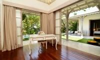 Casa Cinta 2 Study Table | Batubelig, Bali