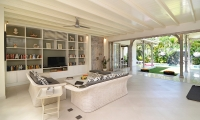 Casa Cinta 2 Indoor Seating | Batubelig, Bali