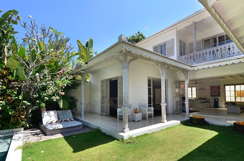 Casa Cinta 2 Outdoor Seating | Batubelig, Bali