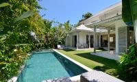 Casa Cinta 2 Pool Area | Batubelig, Bali