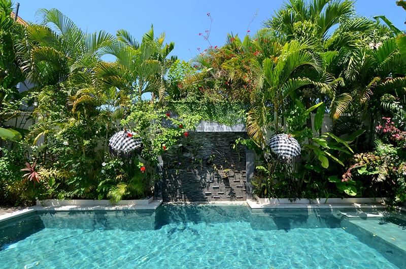 Casa Cinta 2 Pool Side Area | Batubelig, Bali