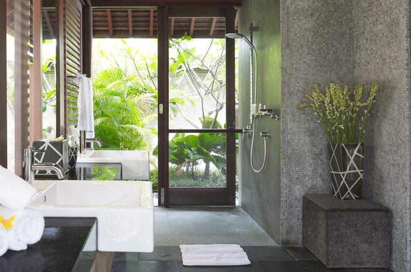 Villa Bayu Gita Bayu Gita Beach Front Bathroom | Sanur, Bali