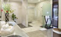 Villa Bayu Gita Bayu Gita Residence En-suite Bathroom | Sanur, Bali