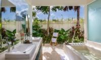 Villa Meiwenti Bathtub | Canggu, Bali