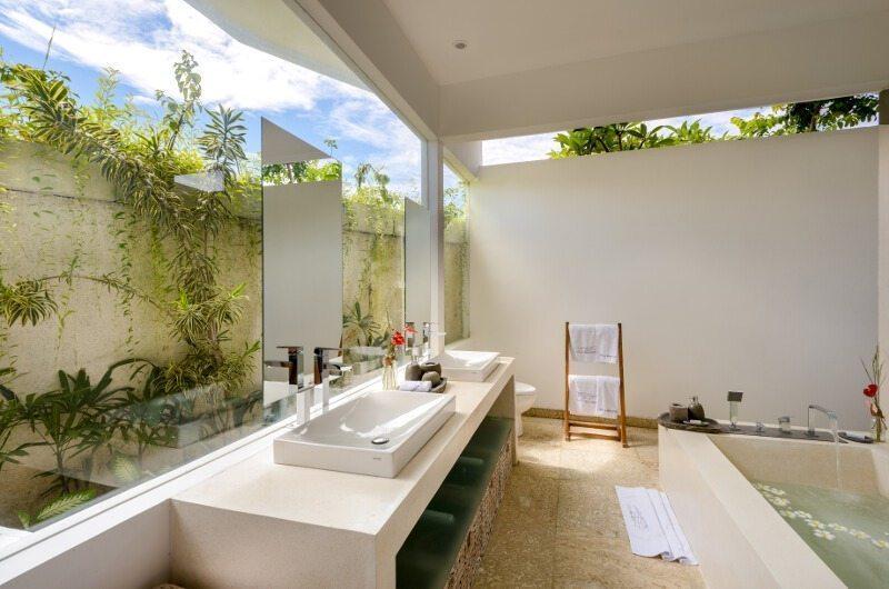Villa Meiwenti En-suite Bathroom | Canggu, Bali