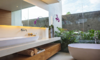 The Iman Villa Bathtub | Pererenan, Bali