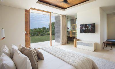 The Iman Villa Bedroom with TV   Pererenan, Bali