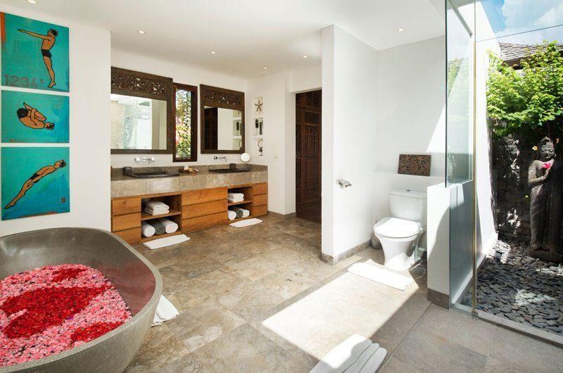 Villa Tiga Puluh Master Bathroom | Seminyak, Bali