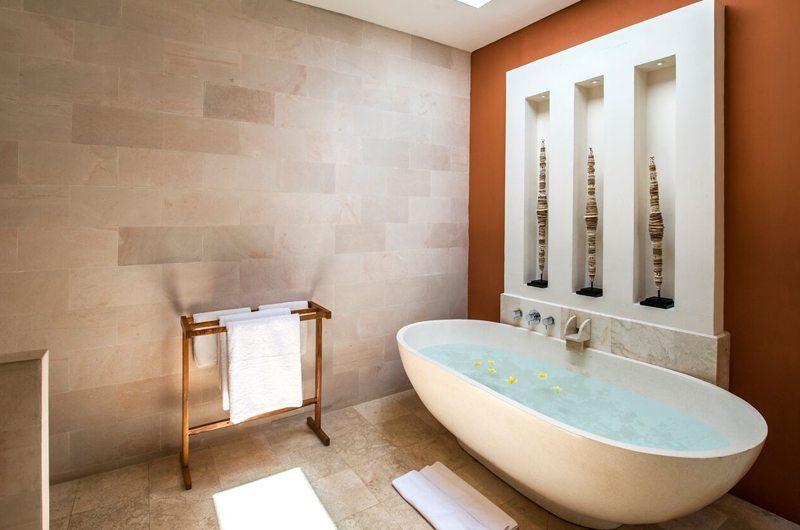 Villa Tiga Puluh Bathtub | Seminyak, Bali