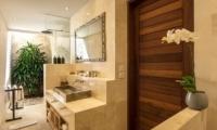 Villa Tiga Puluh Guest Bathroom | Seminyak, Bali