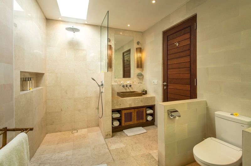 Villa Tiga Puluh Bathroom | Seminyak, Bali