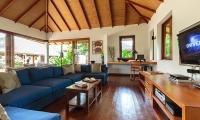 Baan Mika Living Area | Choeng Mon, Koh Samui