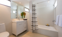 Ban Haad Sai Bathroom with Bathtub | Bang Rak, Koh Samui
