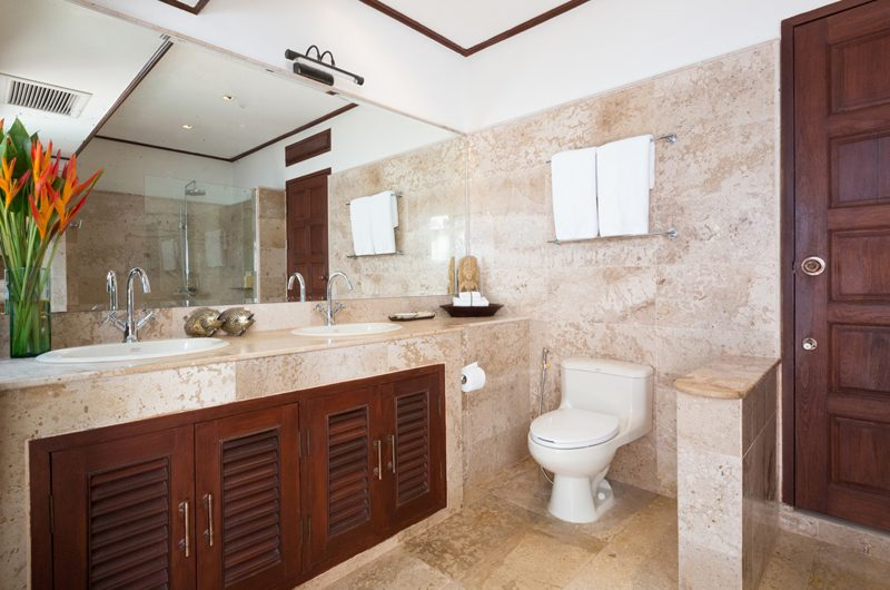 Ban Haad Sai His and Hers Bathroom | Bang Rak, Koh Samui