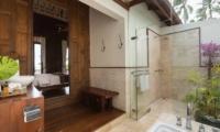Ban Sairee En-suite Bathroom | Koh Samui, Thailand