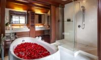 Villa Akatsuki En-suite Bathroom   Lipa Noi, Koh Samui