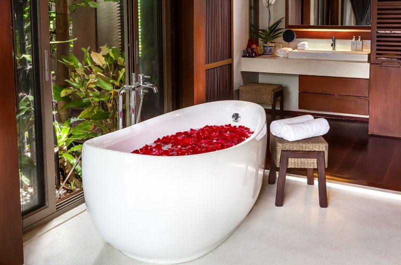 Villa Akatsuki Bathtub   Lipa Noi, Koh Samui