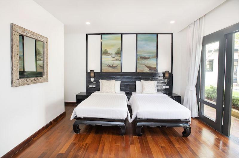 Villa Champak Twin Bedroom with Mirror | Maenam, Koh Samui