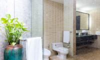 Villa Champak Bathroom One | Maenam, Koh Samui