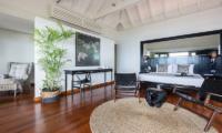 Villa Champak Master Bedroom with Seating | Maenam, Koh Samui