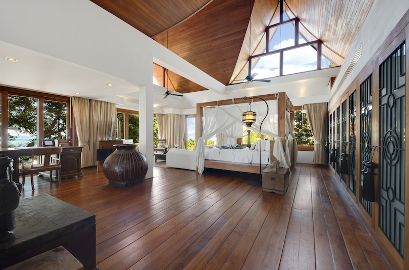 Villa Riva Spacious Bedroom with Four Poster Bed | Bang Por, Koh Samui