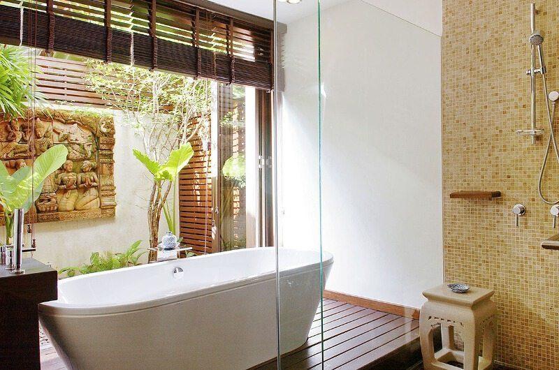Baan Rattana Thep Bathroom with Bathtub | Lipa Noi, Koh Samui