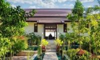 Ban Laem Set Pathway | Koh Samui, Thailand