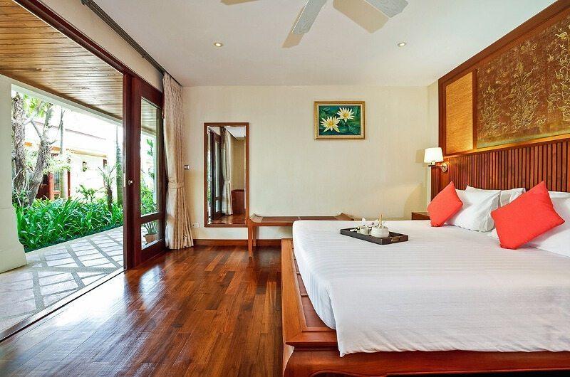 Bougainvillea Villa Bedroom with Garden View | Maenam, Koh Samui