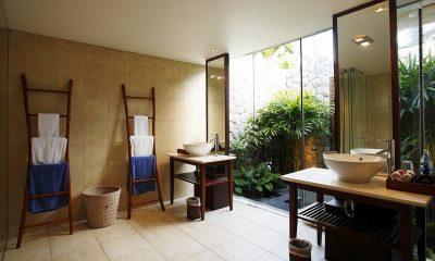 Jivana Beach Villas Jia At Jivana Bathroom | Natai, Phang Nga