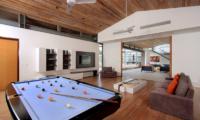 Sava Beach Villas Villa Amarelo Billiard Table | Natai, Phang Nga