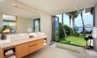 Sava Beach Villas Villa Amarelo En-suite Bathroom | Natai, Phang Nga